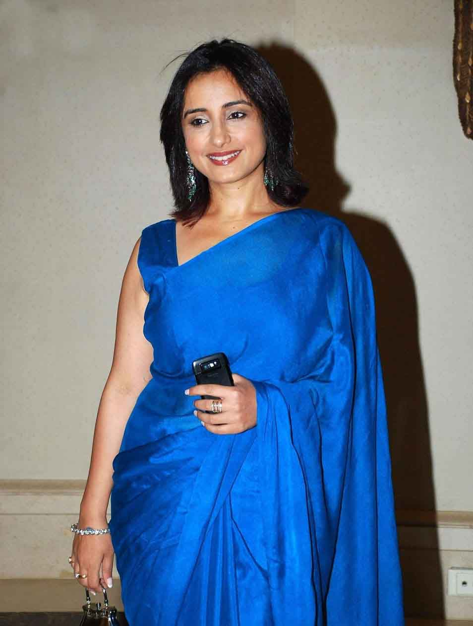 Divya dutta blue saree photos