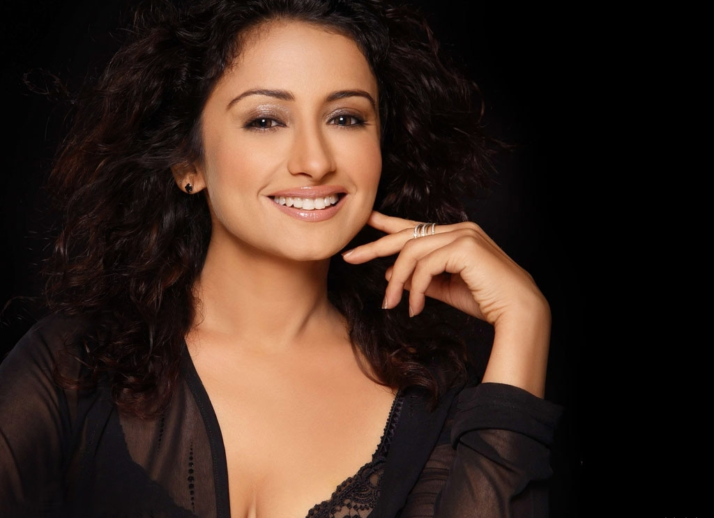Divya dutta desktop wallpapers