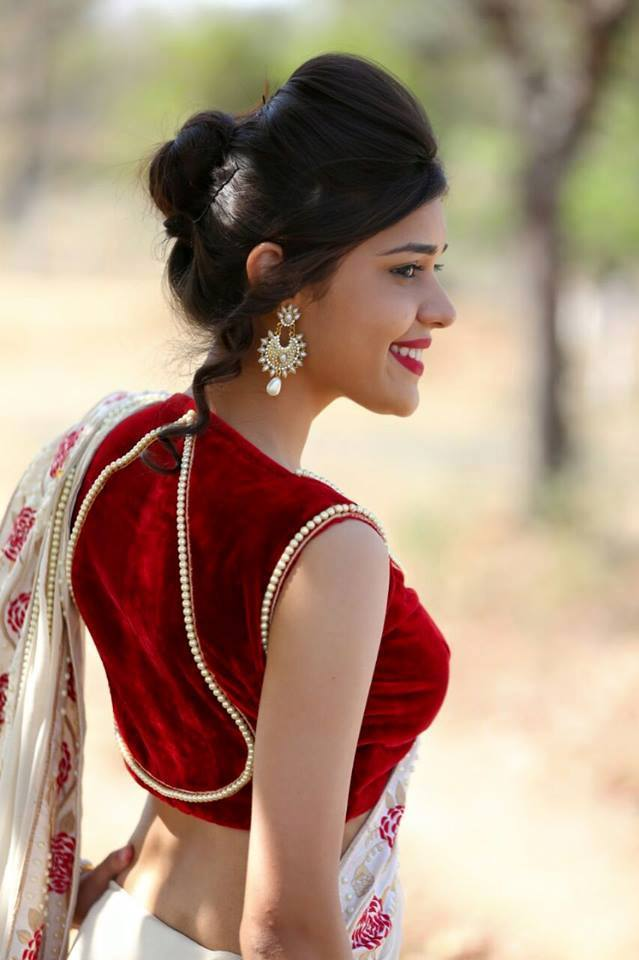 Eisha singh back side photos