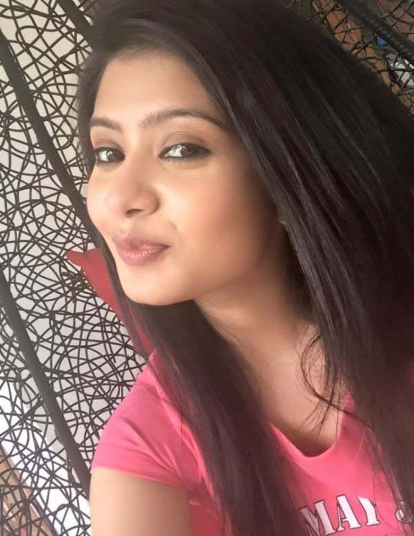 Ena saha selfie photos