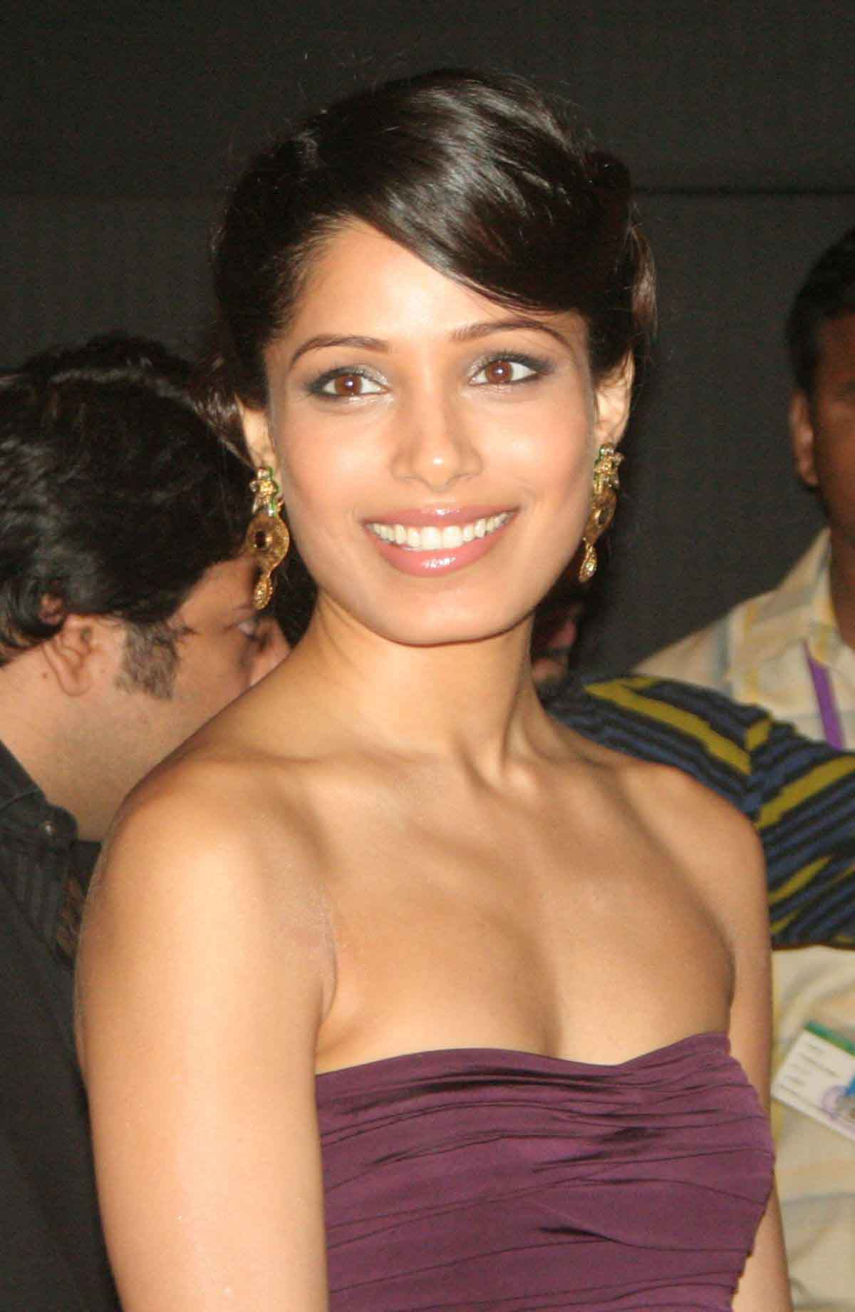 Freida pinto function photos
