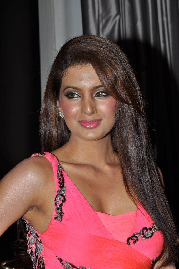 Geeta basra photos