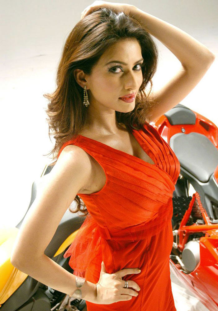 Gowri pandit red dress photos