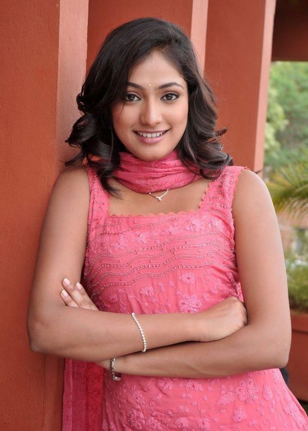 Haripriya churidar photos