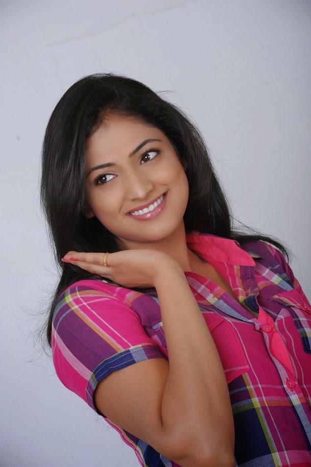 Haripriya cute pictures