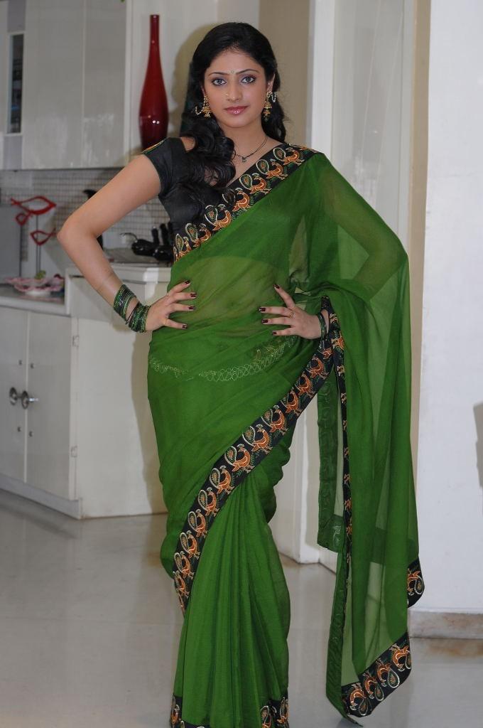 Haripriya green saree photos