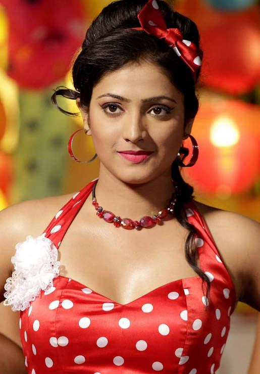 Haripriya makeup photos