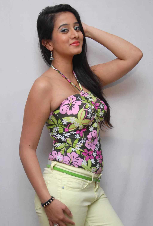 Harshika poonacha photoshoot pics