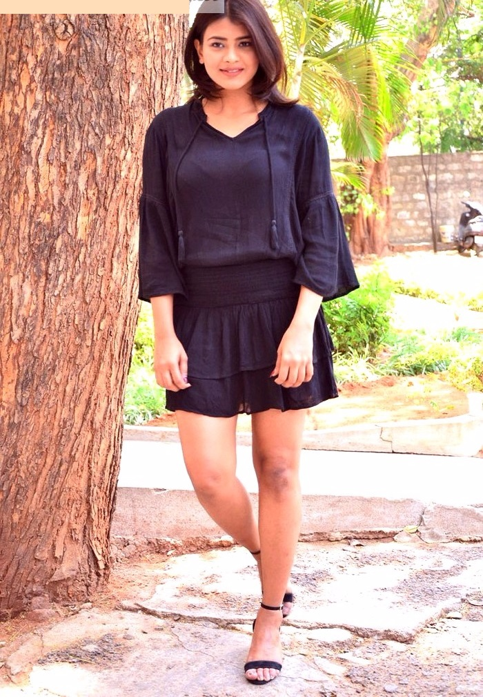 Hebah patel black dress glamour wallpapers
