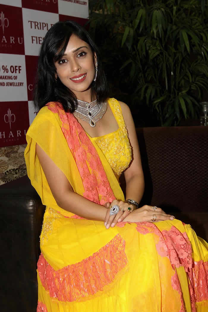 Hrishita bhatt churidar photos
