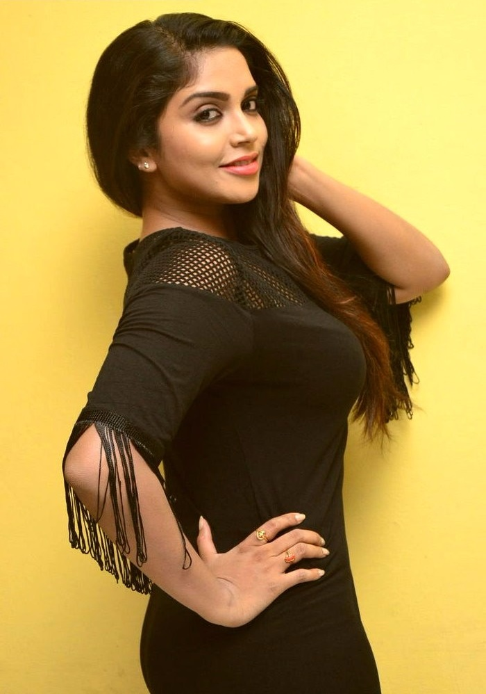 Karunya chowdary black dress figure wallpaper