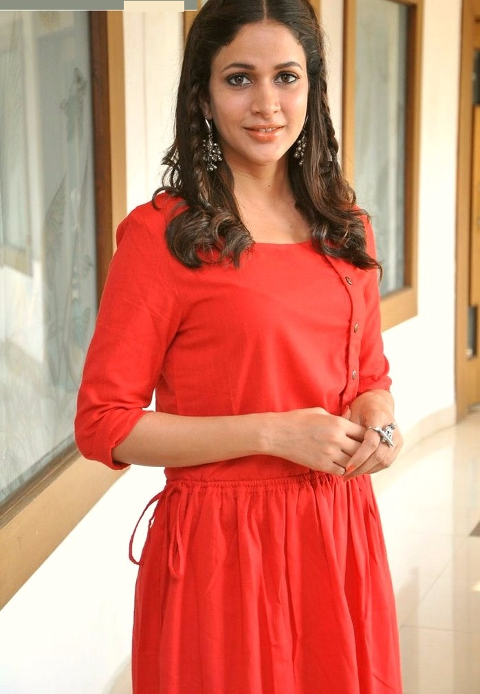 Lavanya tripathi red dress photoshoot fotos