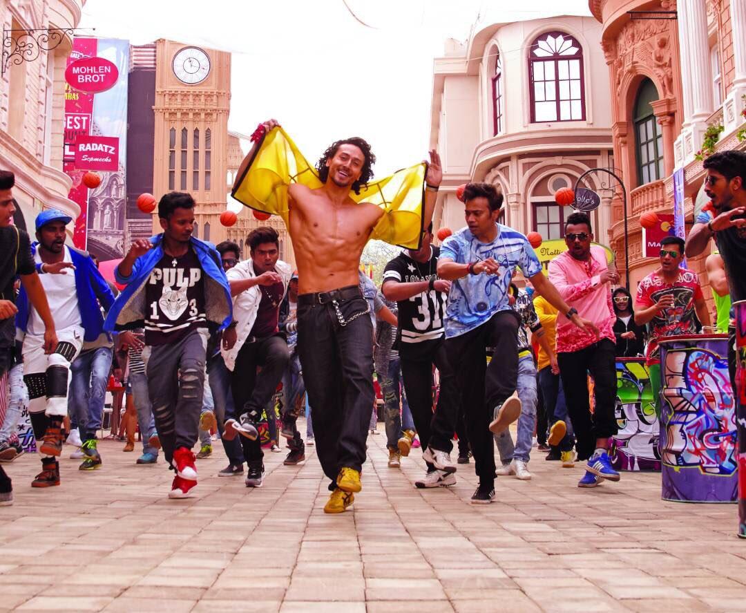 Munna michael tiger shroff dance photos