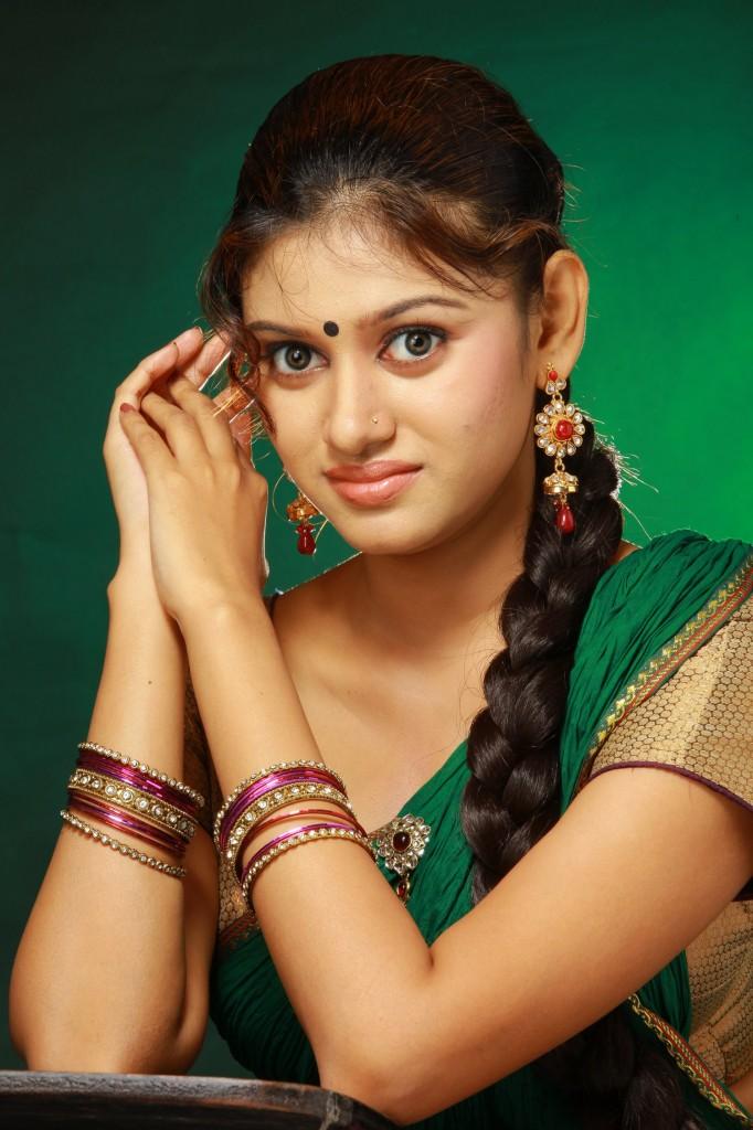 Oviya face saree pictures