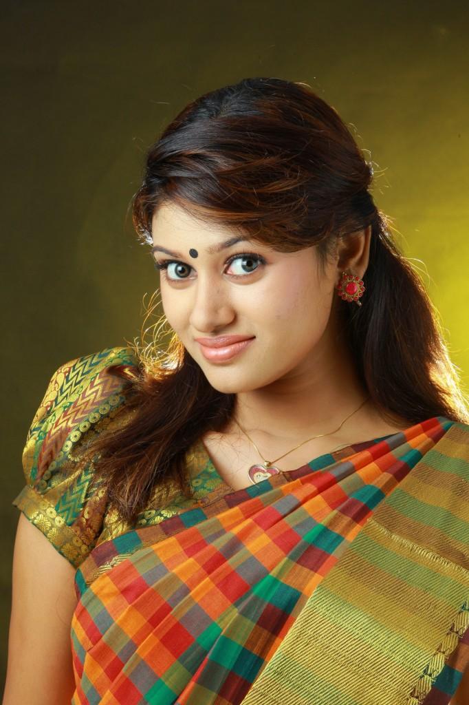 Oviya helen cute from saree photos