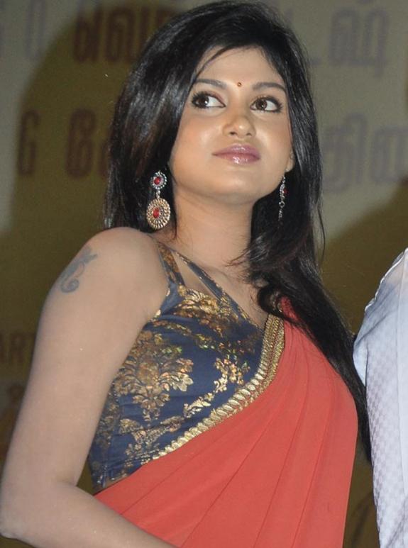 Oviya helen public saree photos