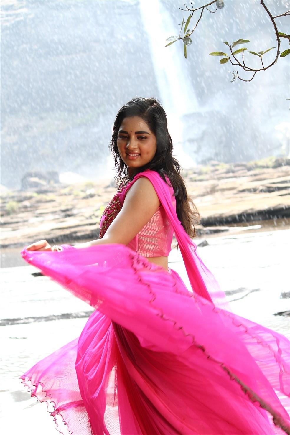 Pottu movie actress srushti dange photos