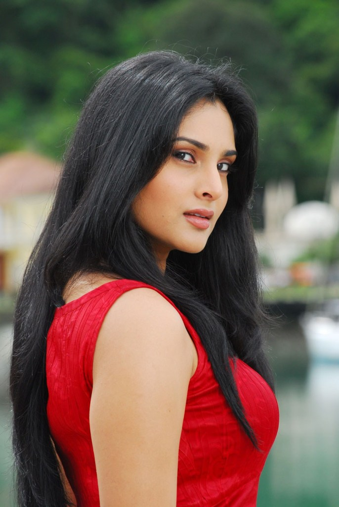Ramya side look pictures