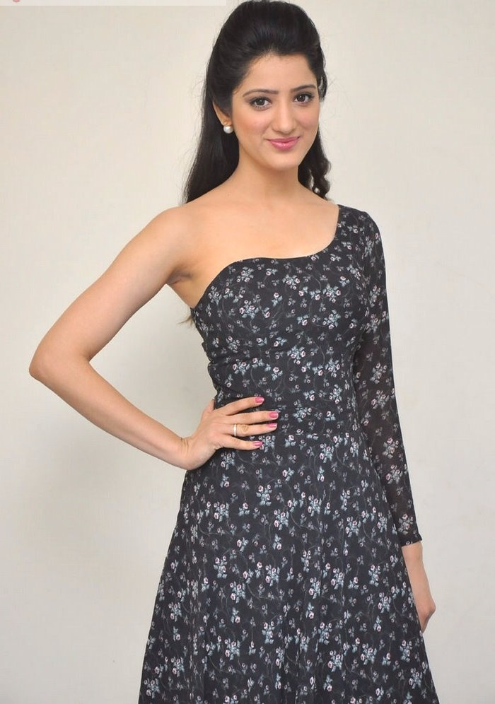 Richa panai black dress cute pictures