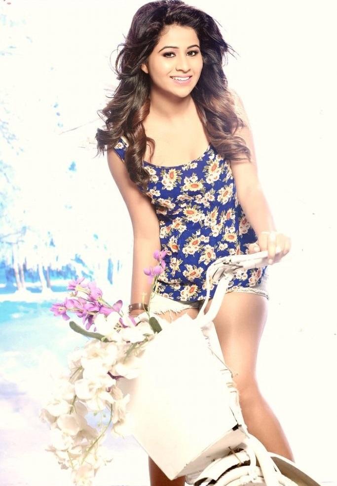 Actress manali rathod photoshoot photos