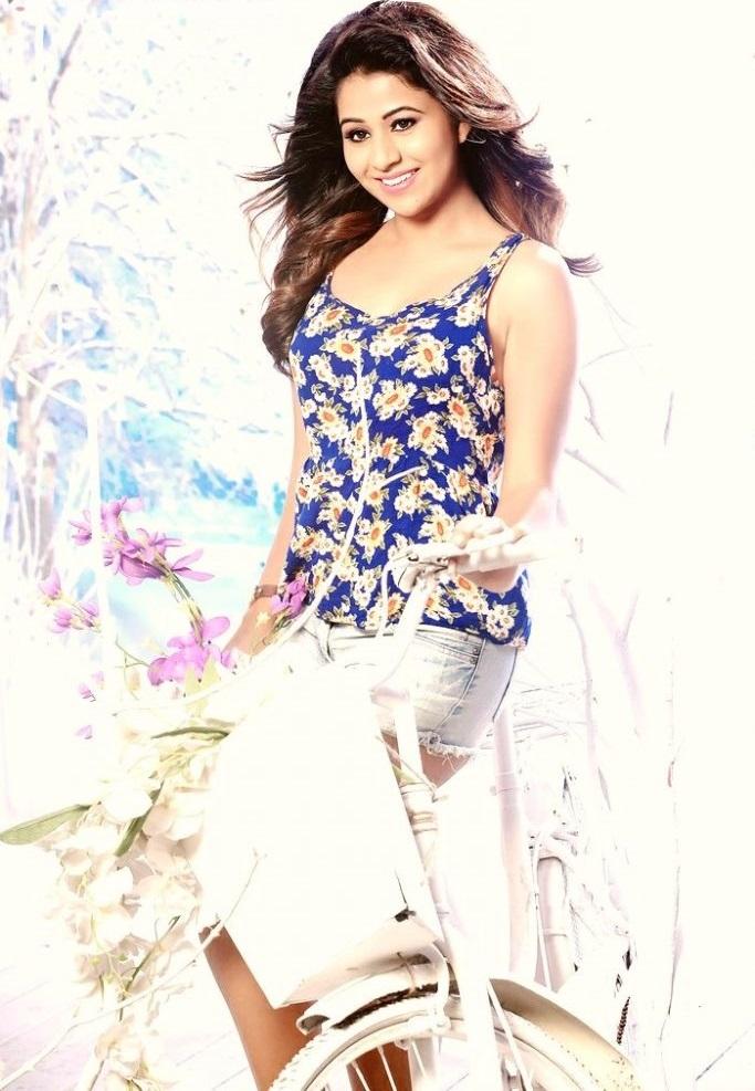 Actress manali rathod wide image