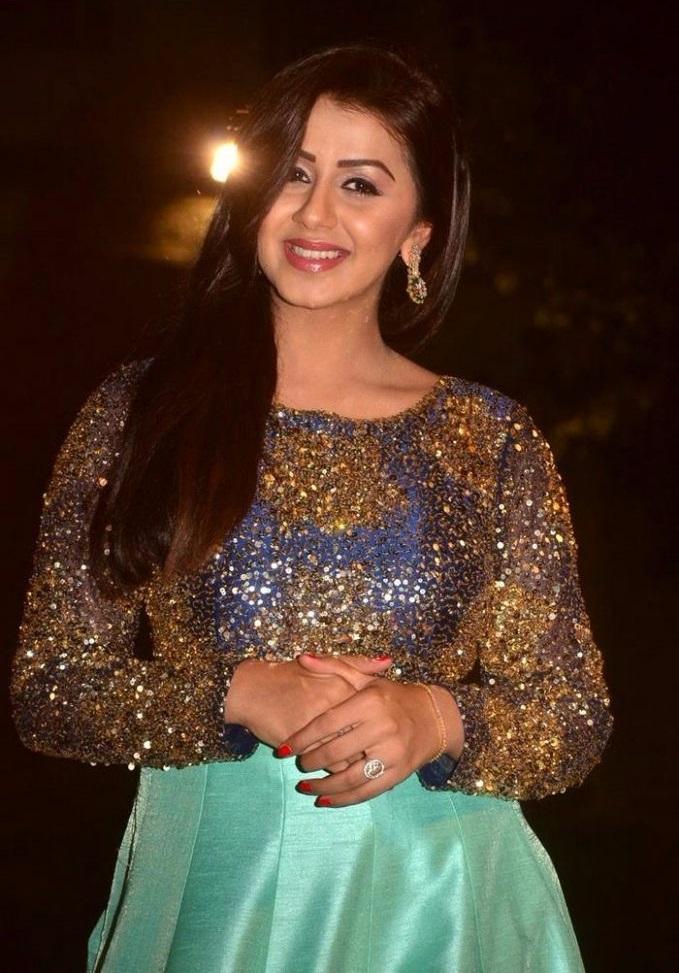 Actress nikki gilrani cool exclusive photos