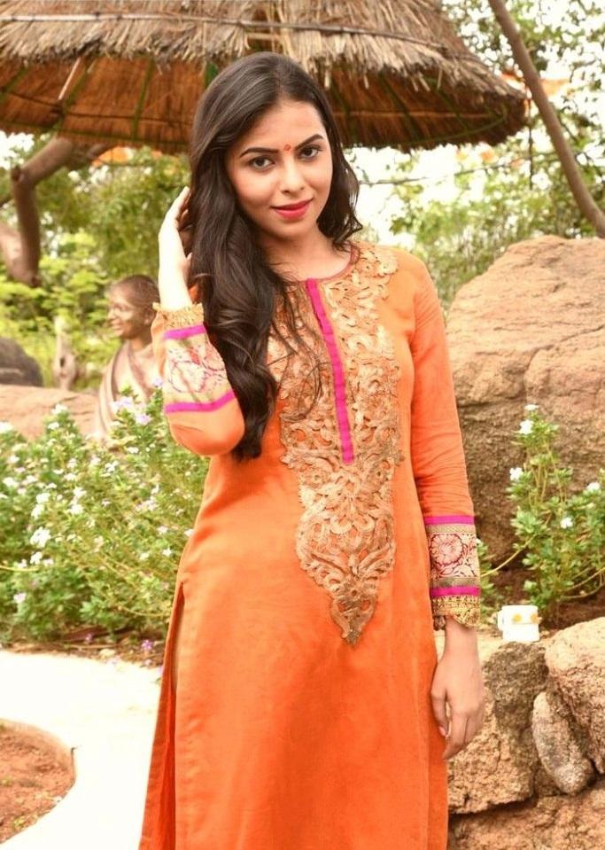 Farah orange color dress photoshoot pics
