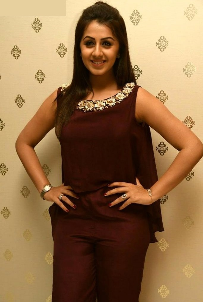 Heroine nikki galrani red dress figure image