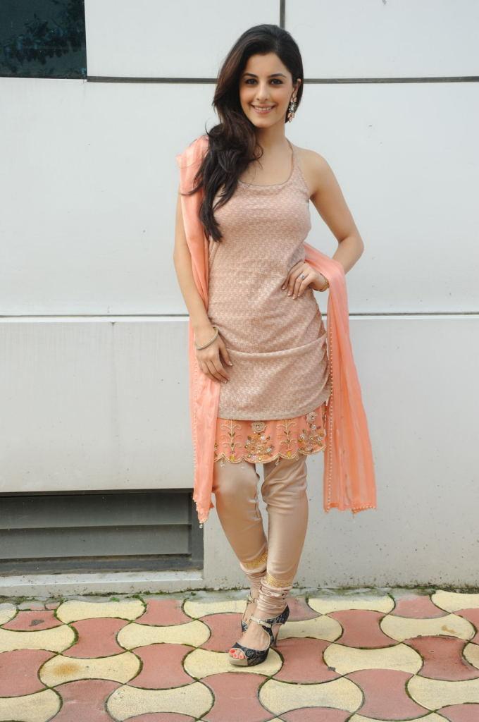 Isha talwar pink churidar photos
