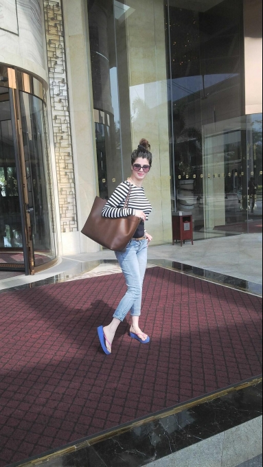 Kainaat arora airport photos