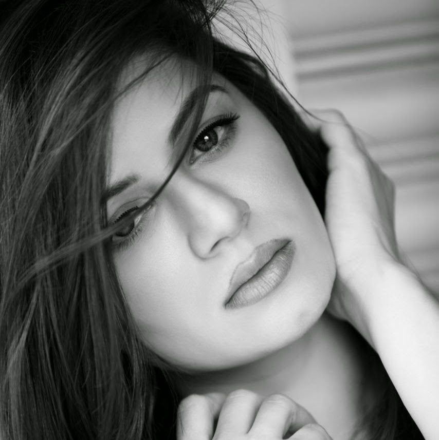 Kainaat arora desktop wallpapers