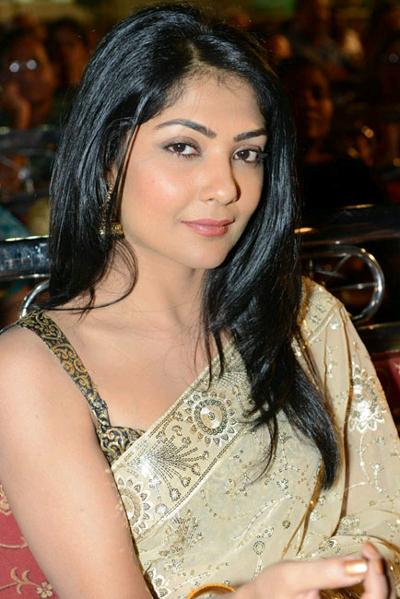 Kamalinee mukherjee saree photos