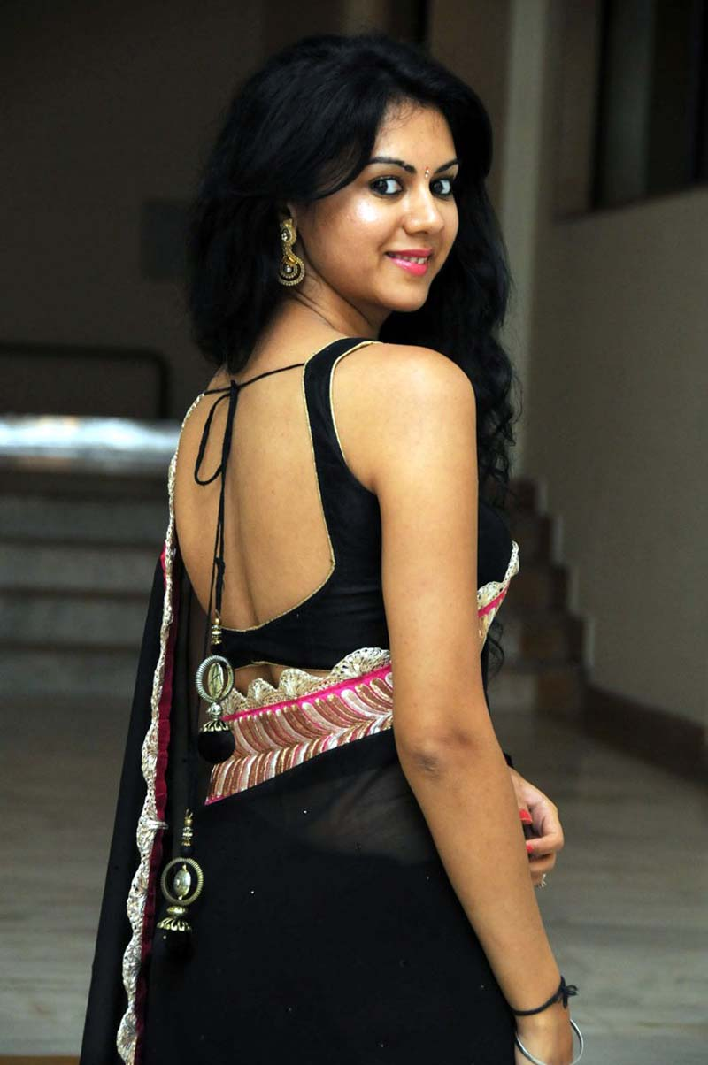 Kamna jethmalani backless saree photos
