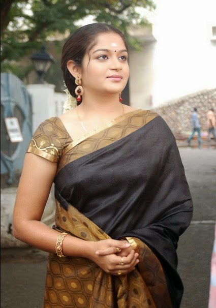 Karthika mathew black saree photos