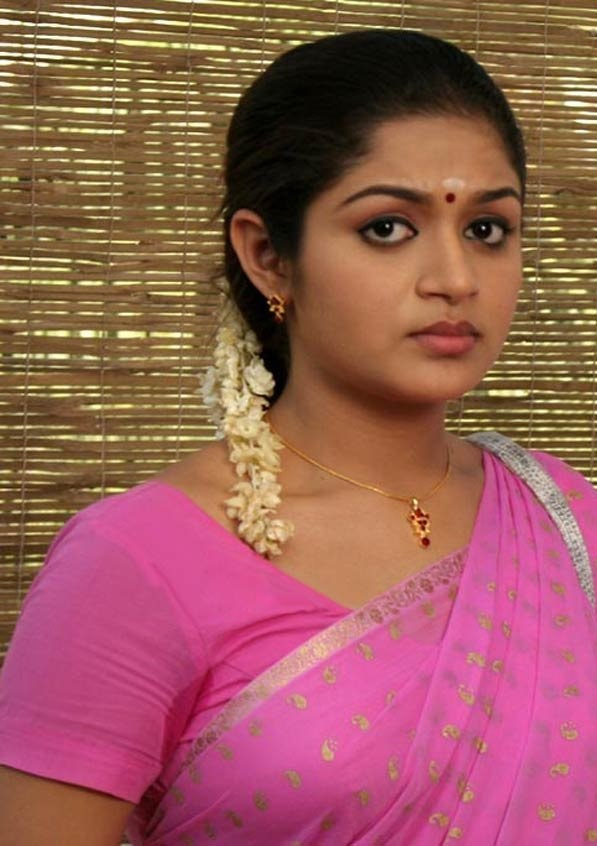 Karthika mathew saree face pictures