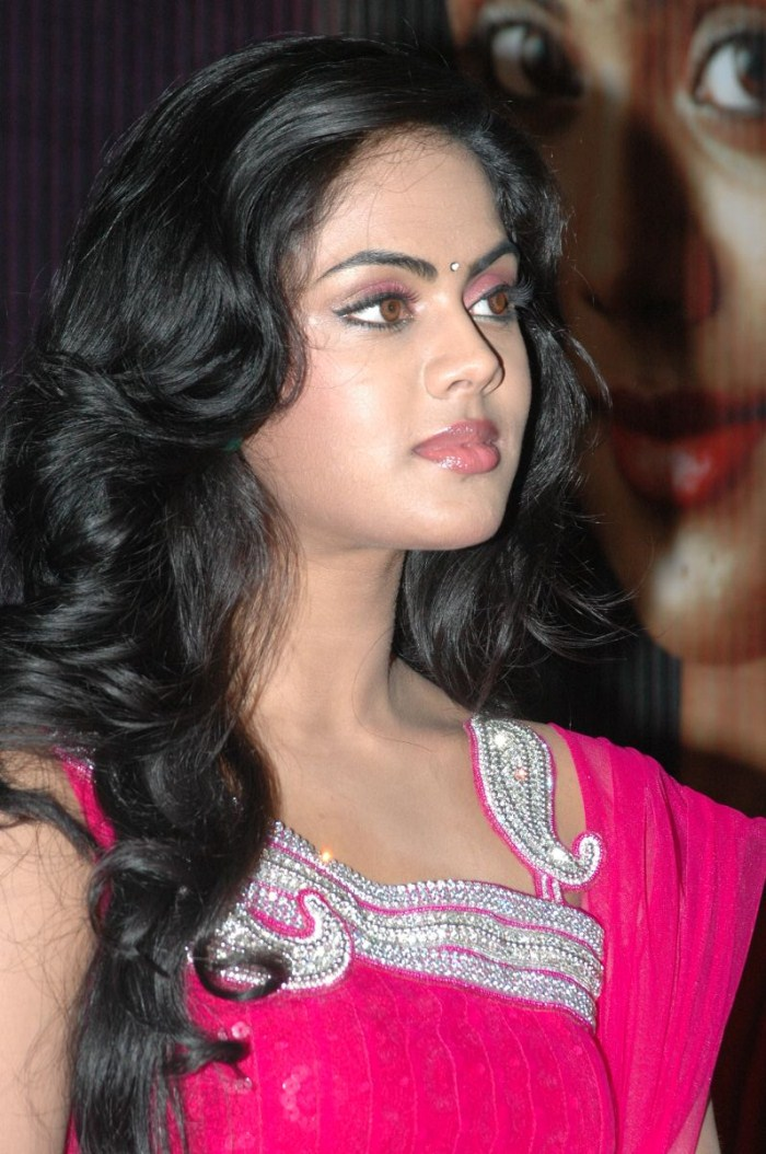 Karthika nair hairstyle photos