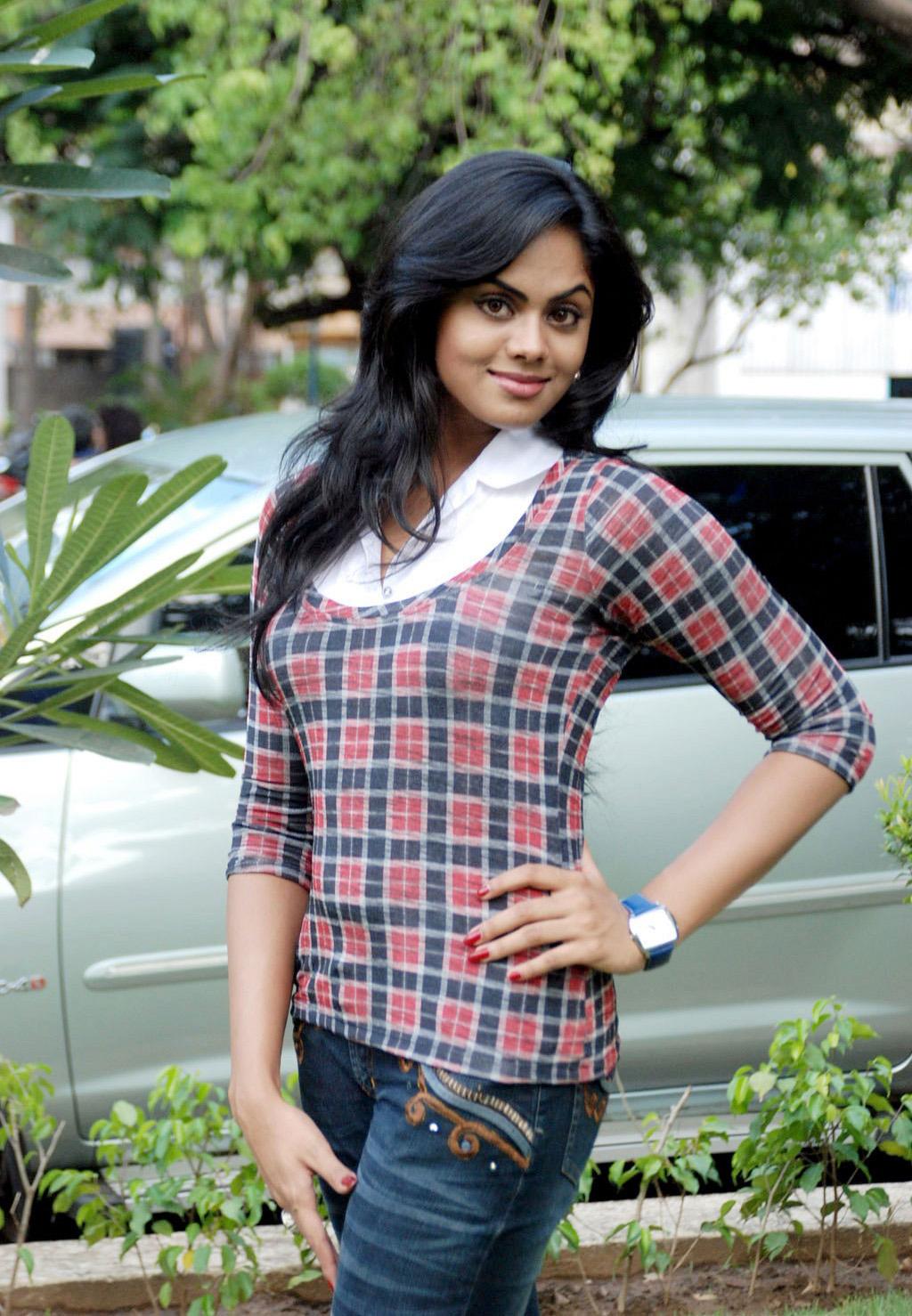 Karthika nair out door photos