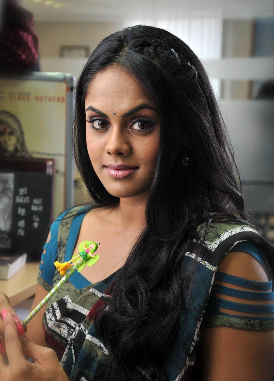 Karthika nair saree photos