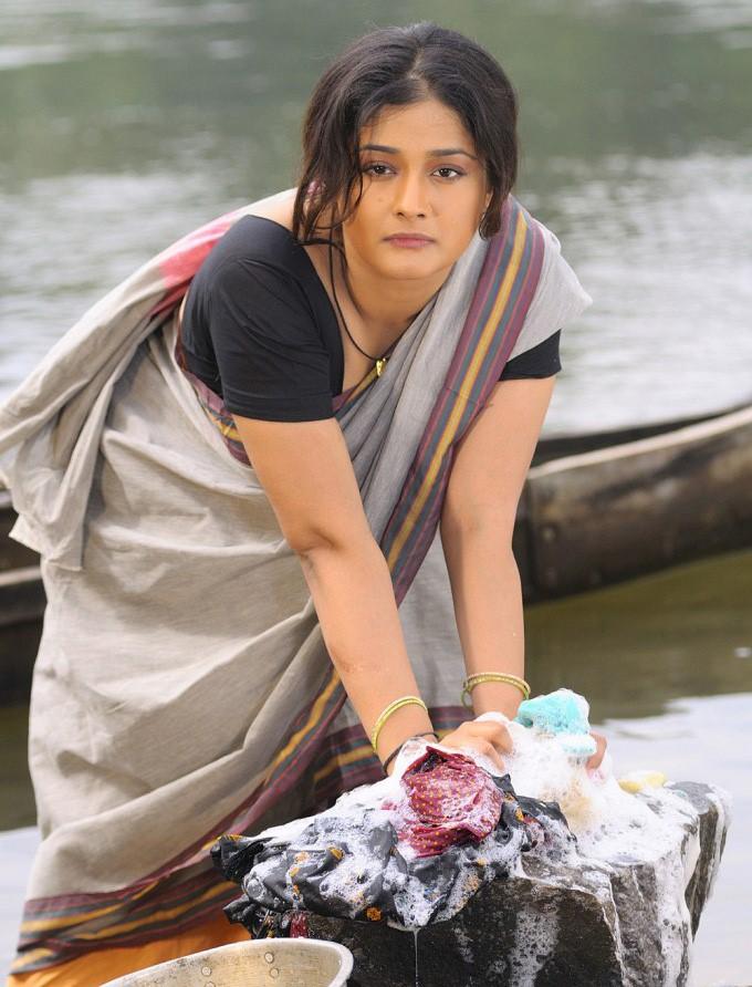 Kiran rathod young saree photos