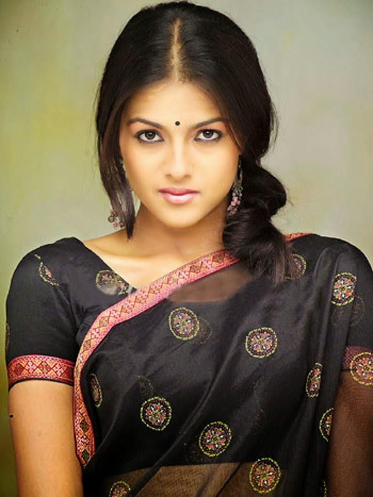 Kirat bhattal black saree photos