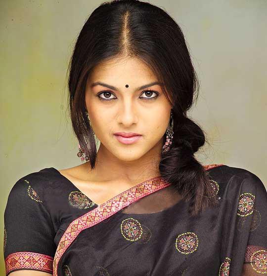 Kirat bhattal saree face photos