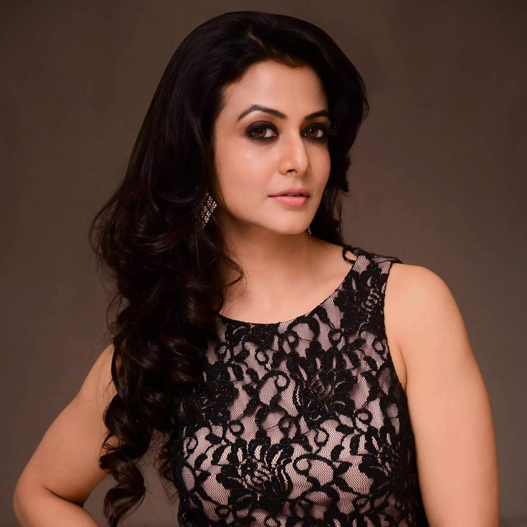 Koel mallick rolling hair pictures