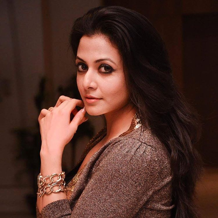 Koel mallick side look pictures