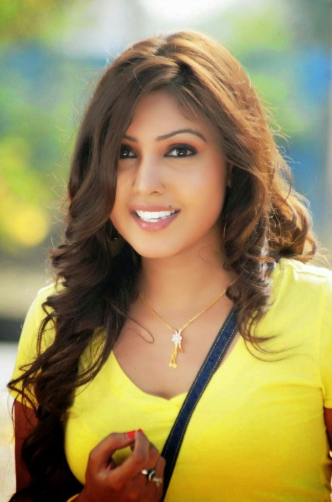 Komal jha cute smile photos