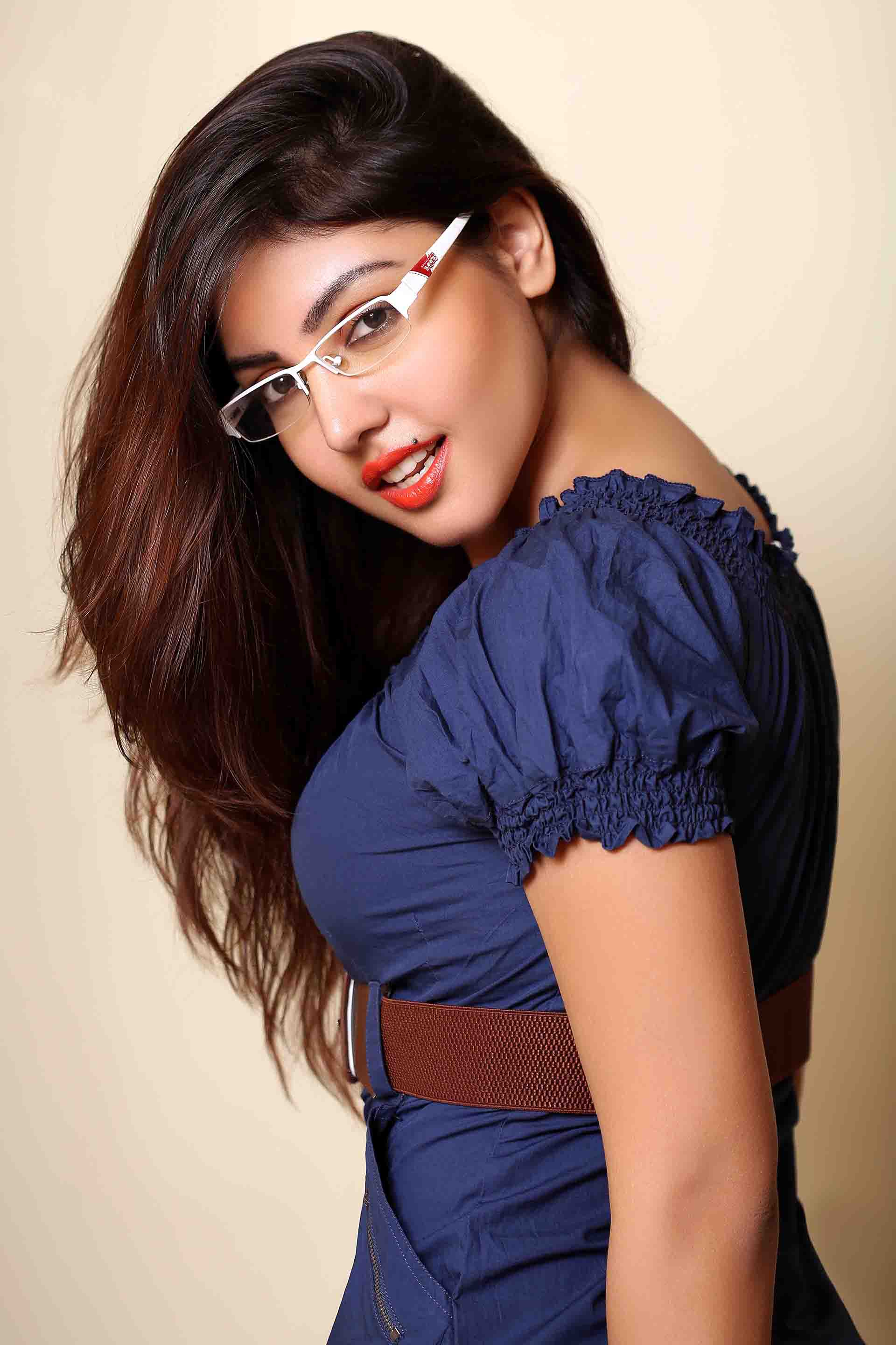 Komal jha figure pictures