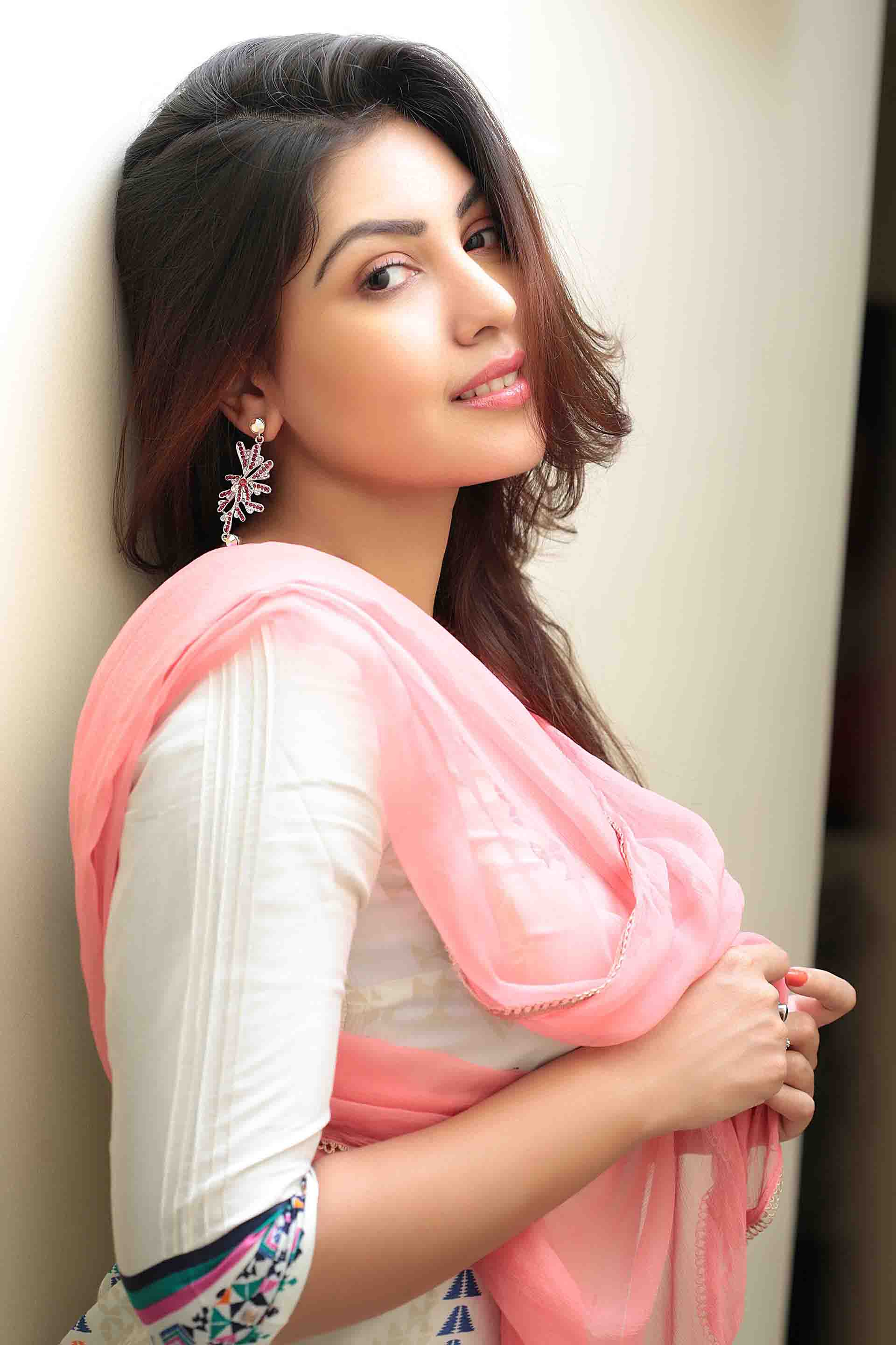 Komal jha romantic photos