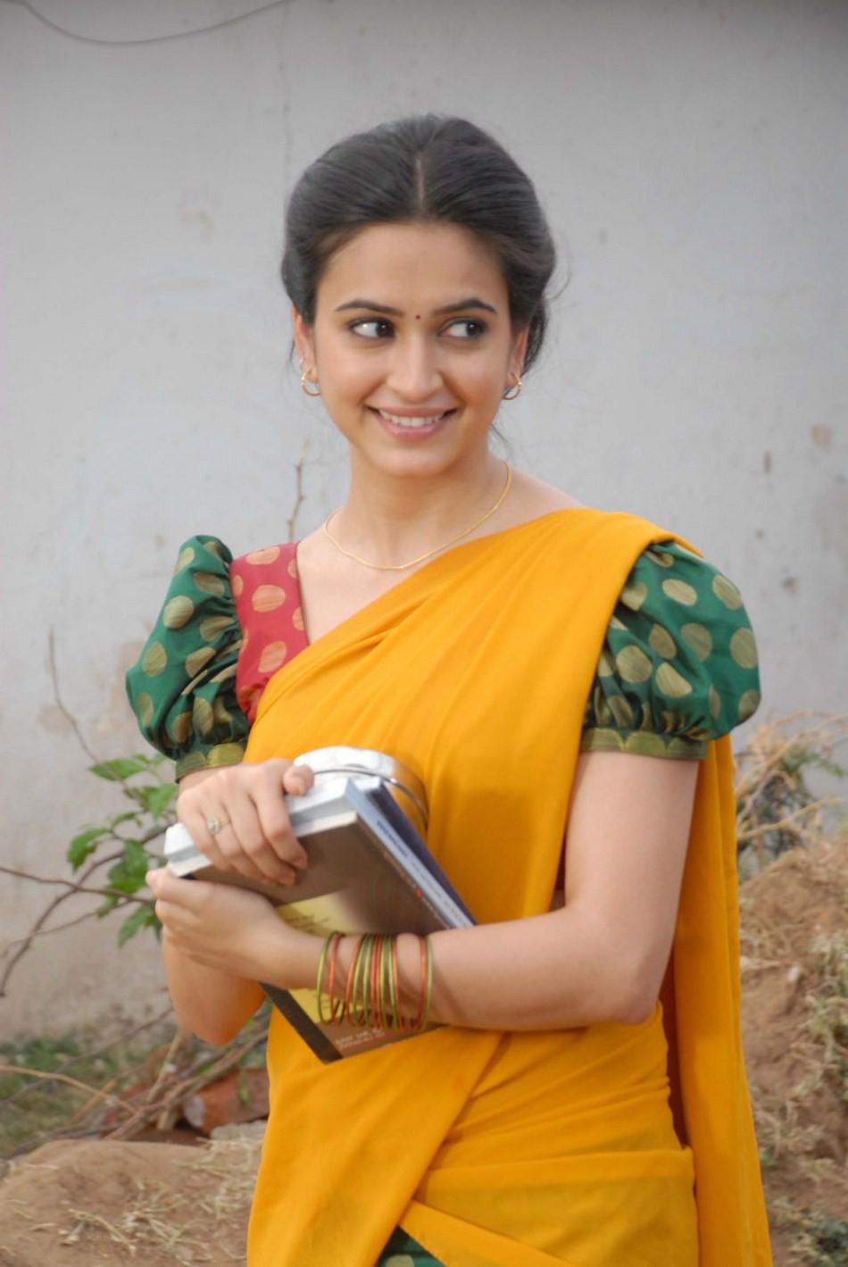 Kriti kharbanda half saree photos
