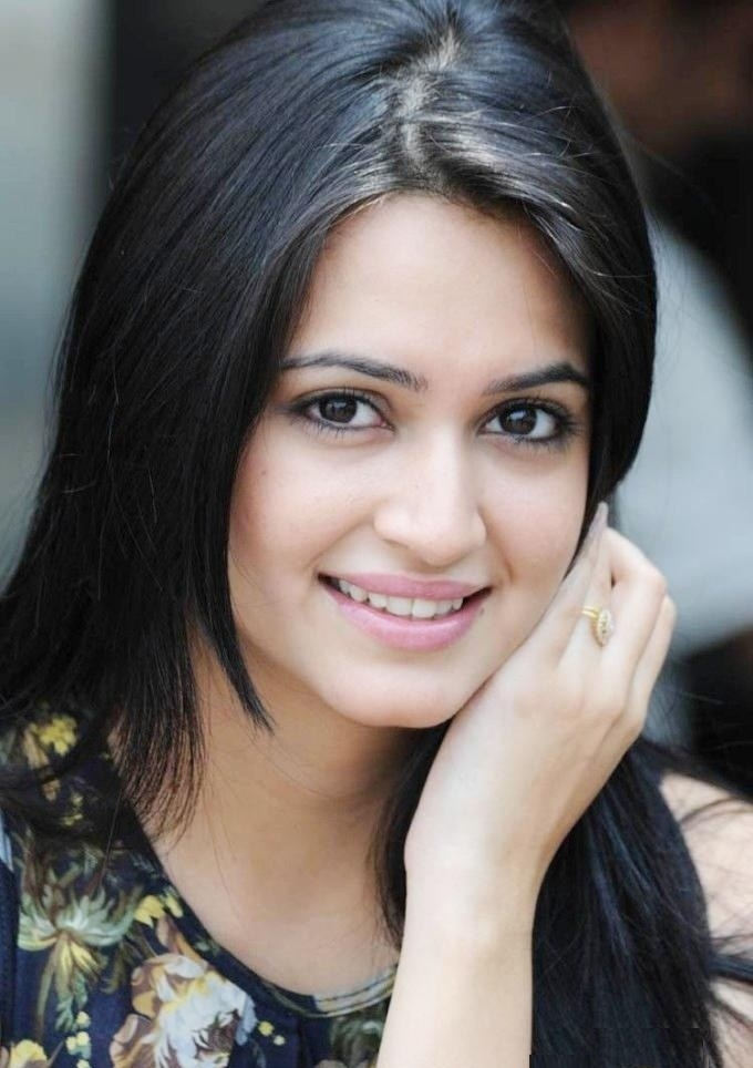Kriti kharbanda smile face photos
