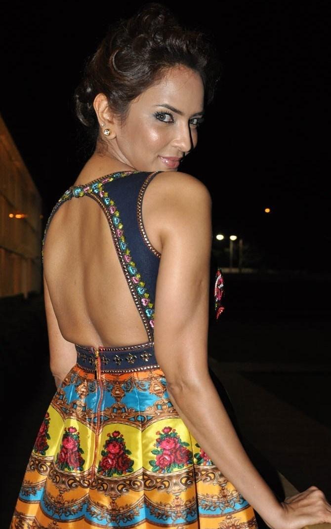 Lakshmi manchu backless photos