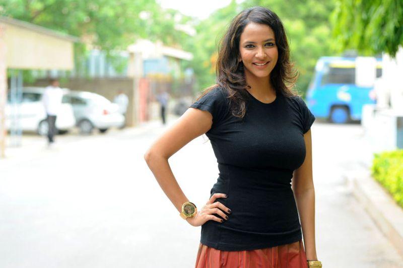 Lakshmi manchu black dress pictures
